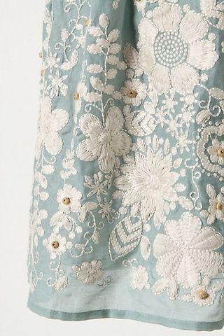 Embroideredskirt